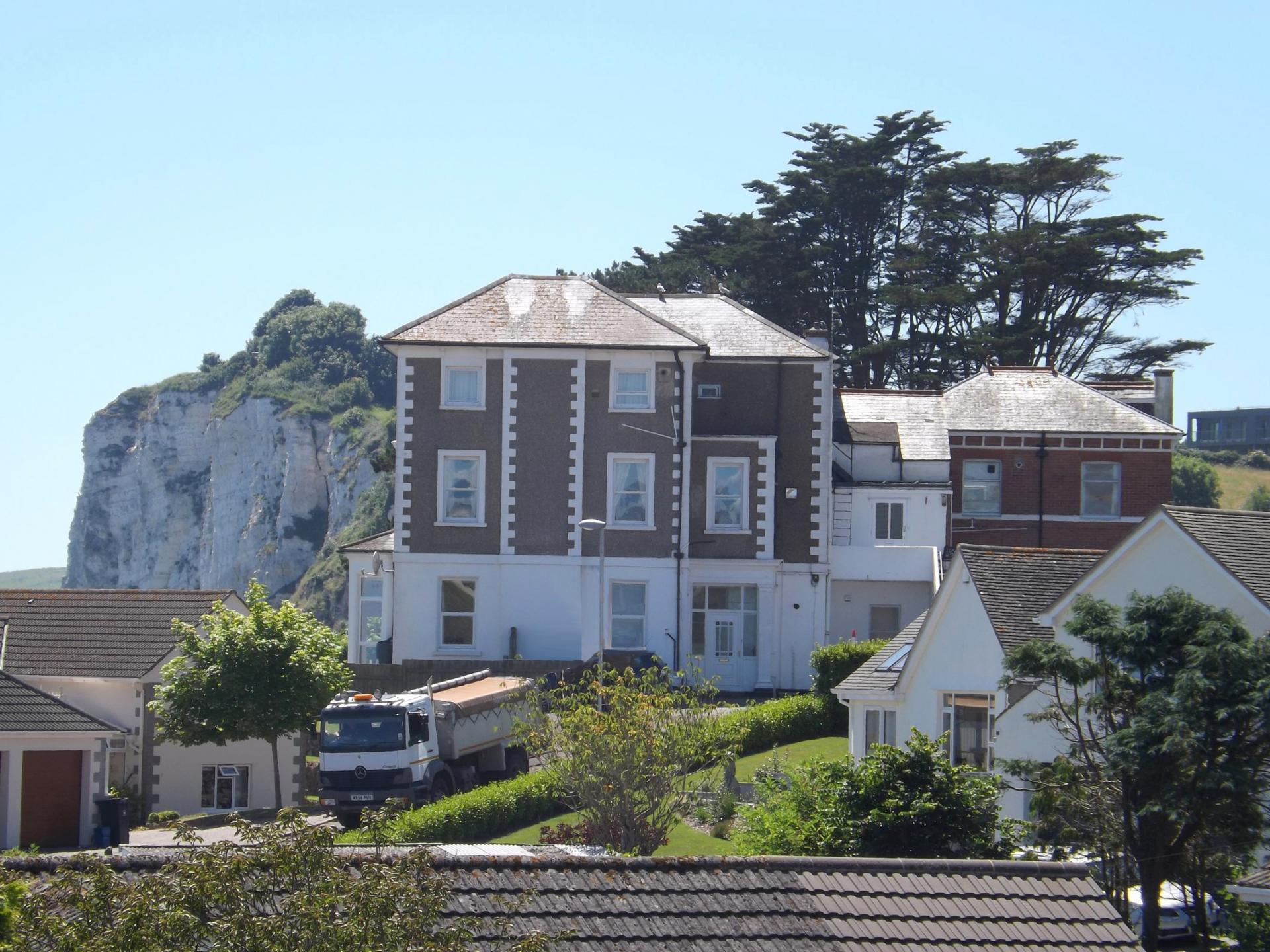 2 Bedrooms Flat for sale in Highcliffe Close, Seaton