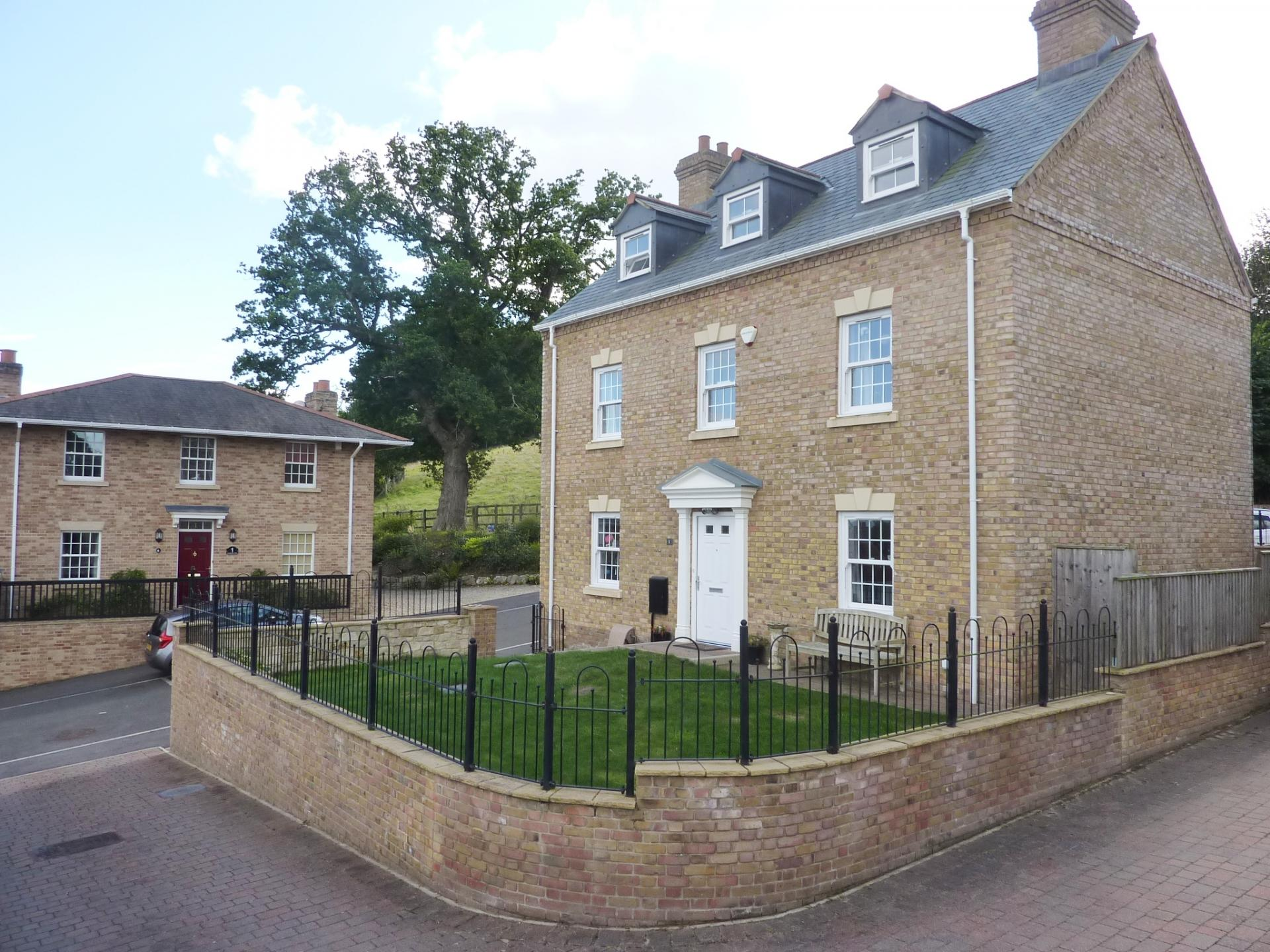 5 Bedrooms Detached House for sale in Lyme Regis