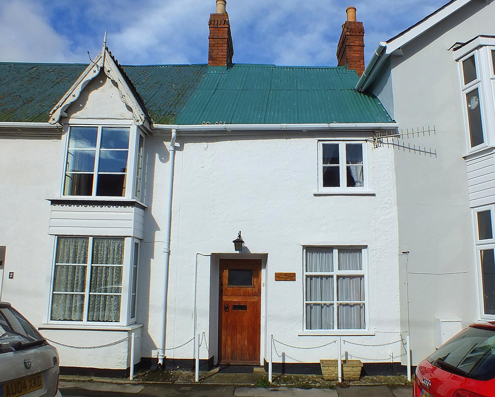 3 Bedrooms Terraced House for sale in 1 Firlands The Street, Charmouth