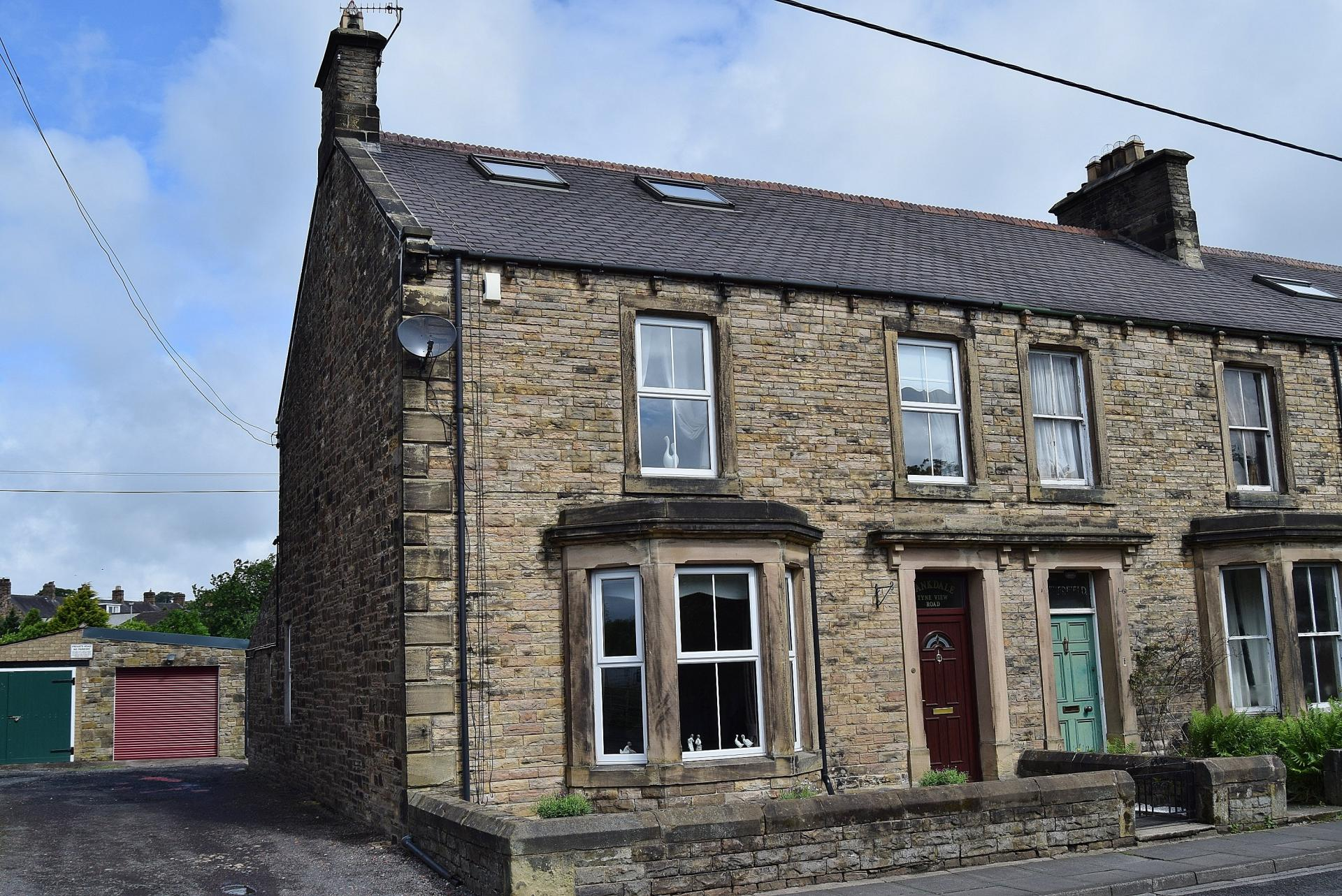 4 Bedrooms Terraced House for sale in Tyne View Road, Haltwhistle