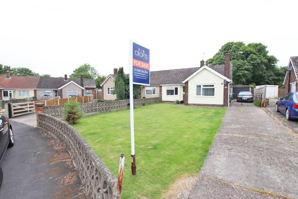 2 Bedrooms Bungalow for sale in CLYFTON CRESCENT, IMMINGHAM