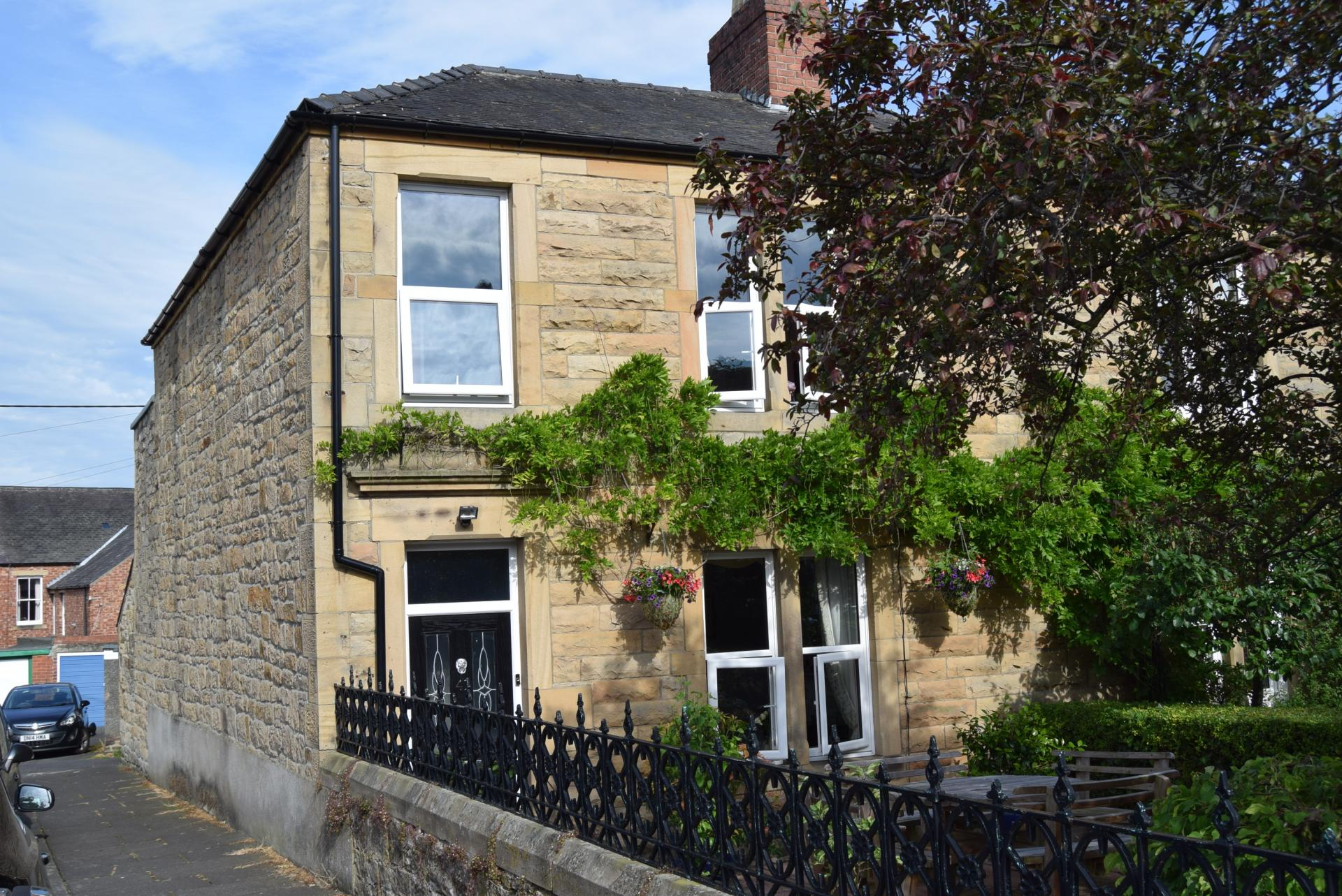 3 Bedrooms Terraced House for sale in Windsor Terrace, Hexham