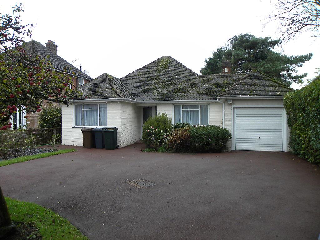 3 Bedrooms Bungalow for sale in ASHFORD