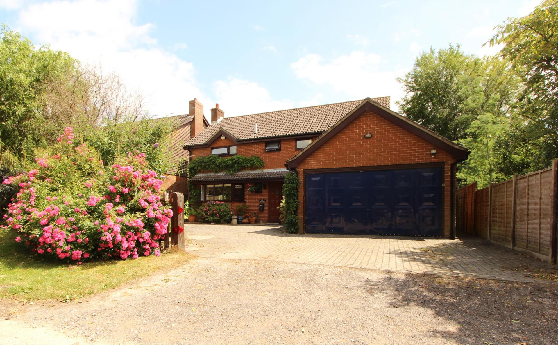 4 Bedrooms Detached House for sale in Southampton
