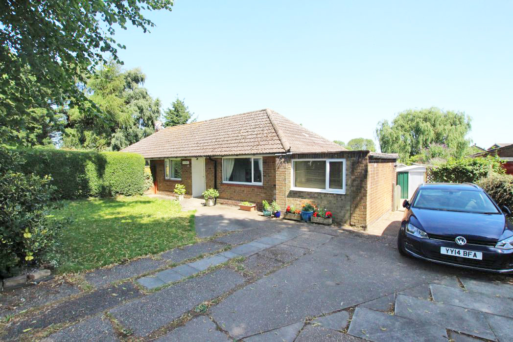 2 Bedrooms Bungalow for sale in RIBY ROAD, KEELBY