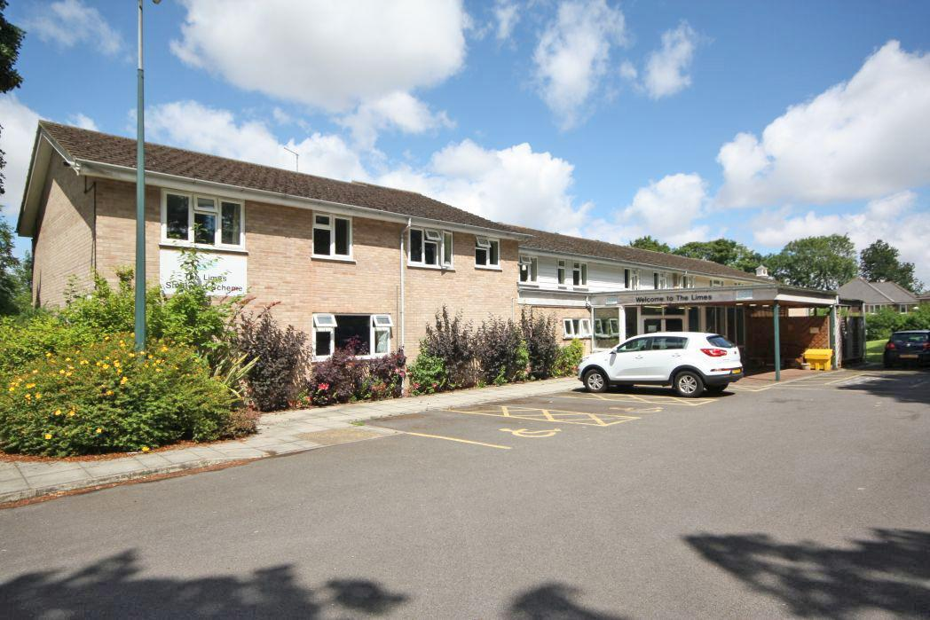 1 Bedroom Flat for sale in THE LIMES, WALTHAM