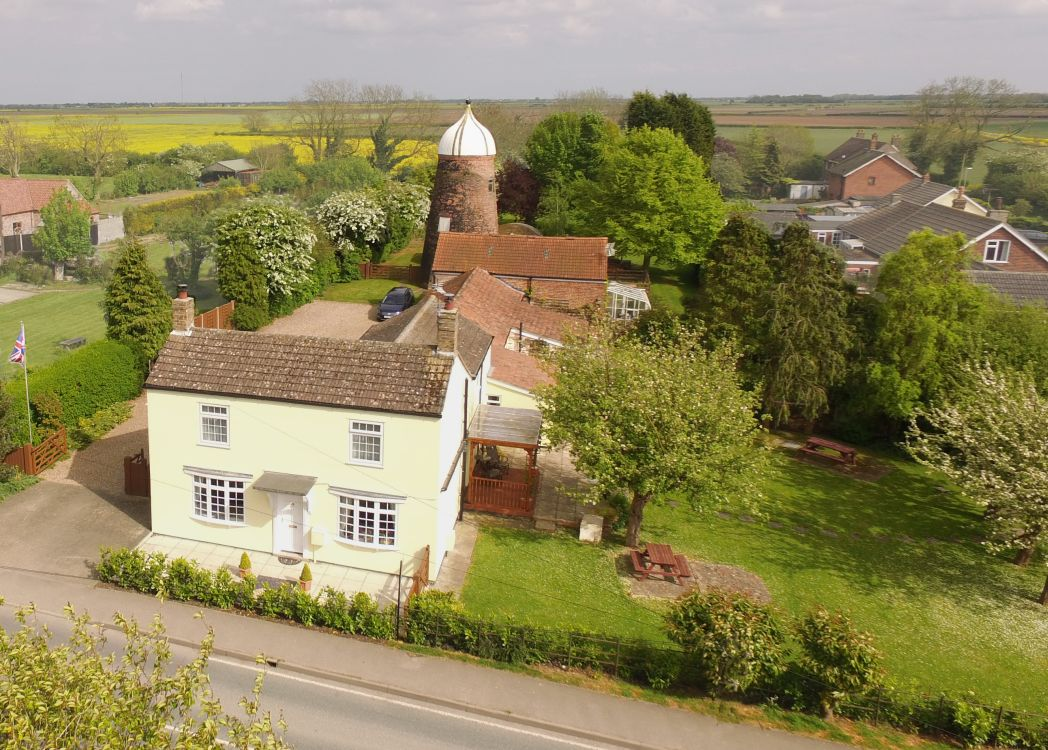 6 Bedrooms Detached House for sale in MAIN ROAD, MALTY LE MARSH