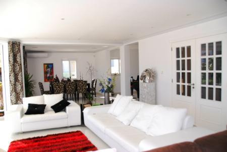 Carvoeiro - Modern 4 Bedroom Villa in Vale da Lapa