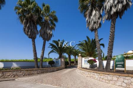 Albufeira - Wine estate for sale - Sir Cliff Richard wines