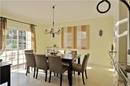 4-Bed villa overlooking the famous San Lorenzo golf course