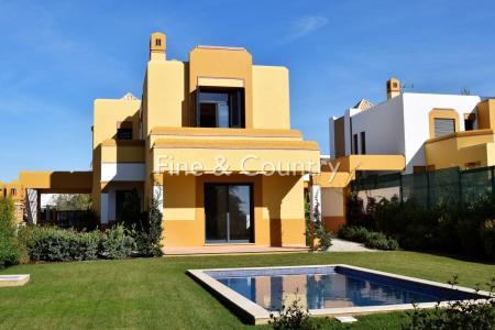 Albufeira - 5 bedroom Villa in Guia