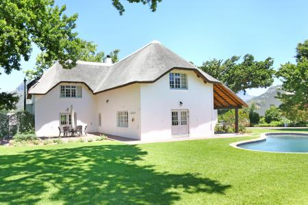 Stunning lifestyle small-holding in the heart of Franschhoek