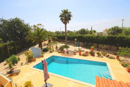 Loule / Santa Bárbara 4 bedroom villa with beautiful views
